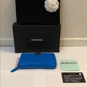 chanel boy zipped patent leather wallet